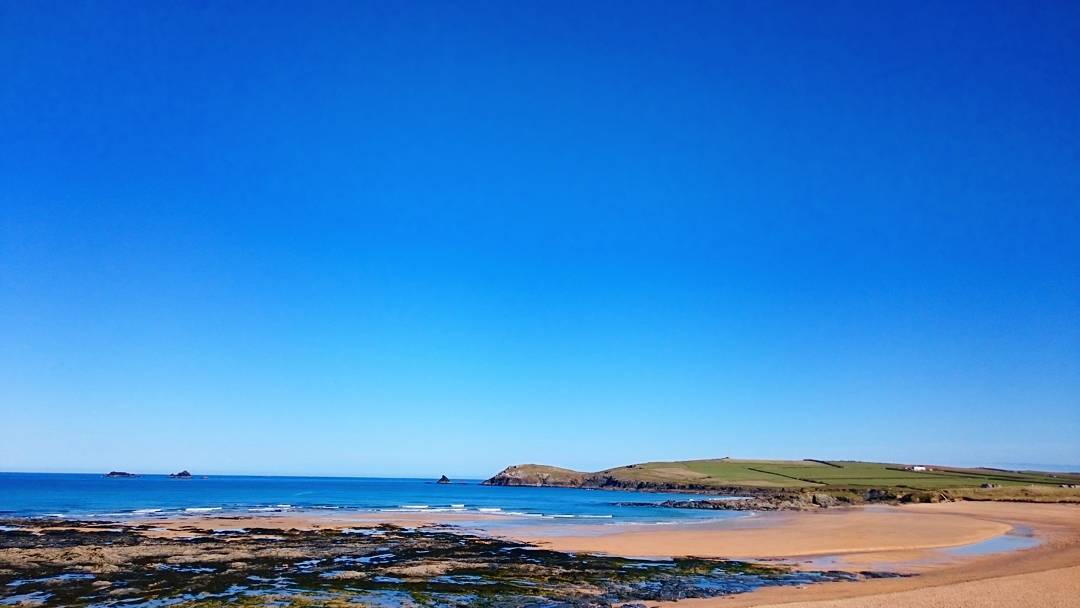 Yeah it's looking pretty amazing down the beach right now. #constantinebay #surfschool #padstow #cornwall