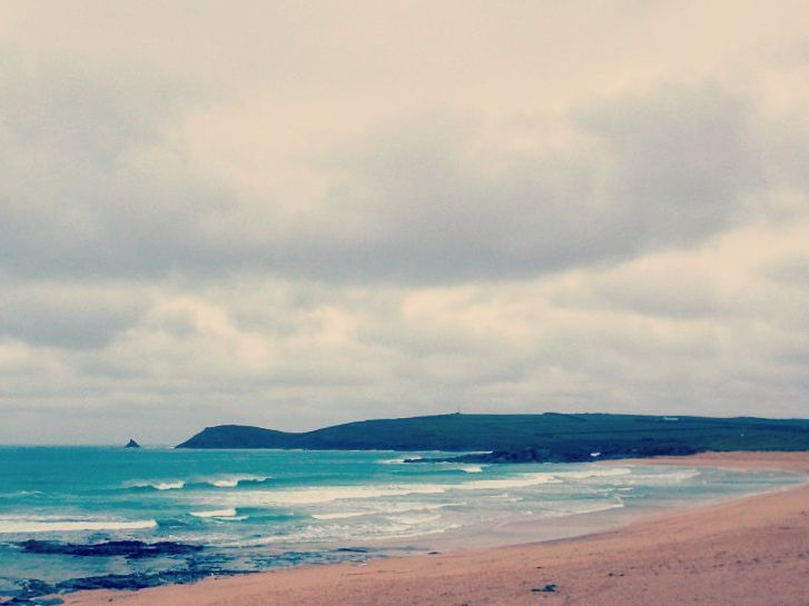 Monday morning surfs are good for the soul. Picture doesn't do it justice but super fun this morning - @constantinesurf