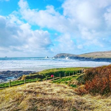 Winter still has some teeth – another blowy day in North Cornwall – photo & video