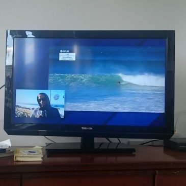There's a storm blowing in so I'm indoors watching perfect waves and amazing surfing at the Jbay pro @wsl