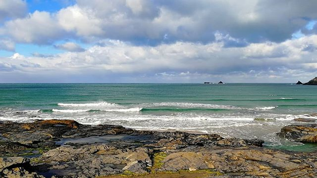 The wind has gone offshore, making the surf small but very nice. Its all about those protected corners and higher tides.