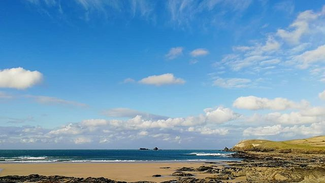 There's a lot of North in the wind this morning and a big gap in the swell while we wait for the next pulse. It should be a good size by the end of the day but for now the sun's out and despite the wind chill it's a beautiful day. #surfcheck #surfreport #cornwall #trevose @nationaltrustsouthwest