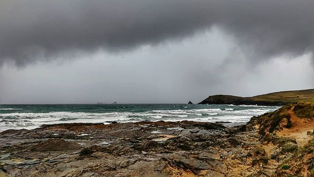 Rain showers this morning at Boobys Bay #trevosehead @nationaltrustsouthwest
