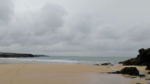 Small and offshore, probably some great longboard waves to be had and super quiet around this morning