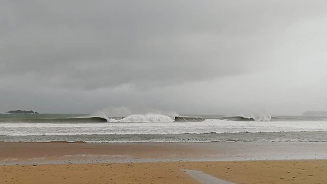 What winter is all about, a big storm, strong winds and barrels.