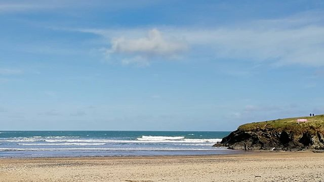 Surprisingly OK waves at harlyn around the high tide, still a decent northwestly wind but twice as warm as yesterday